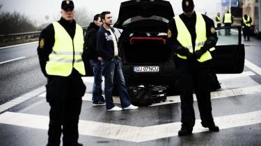 Dansk Folkepartis Jesper Langballe mener at have den tyske befolknings opbakning til den omstridte aftale om grænsekontrol. Det er der imidlertid ikke noget, der tyder på, siger tysk ekspert