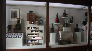 Coppola har indrettet førstesalen på sin vingård en times kørsel fra San Francisco  som en udstilling. Maskiner og forklaringer om mekanik og filmhistorie er smukt formidlet. The Henning Carlsen Collection er en attraktionerne.