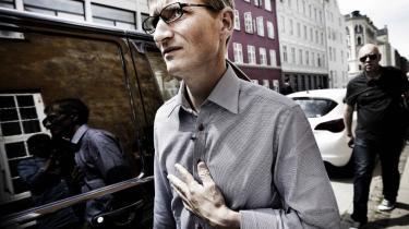 Fem enige landsretsdommere underkendte i går justitsministerens beslutning fra 2009 om at udlevere våbensmugleren Niels Holck til Indien