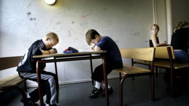 Selv om skolerne traditionelt har været offentligt ejede og finansierede, så er et bredt flertal af de politiske partier positive over for pensions-kassernes ide om at overtage skolebyggeriet.