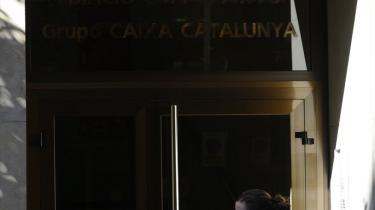 Fredag var en sort dag for Spaniens banker, deriblandt Catalunya Caixa her i Madrid, der ifølge en EU-test ikke vil være i stand til at overleve to års recession. Af de i alt otte banker, der ikke bestod stresstesten, kommer fem fra Spanien.