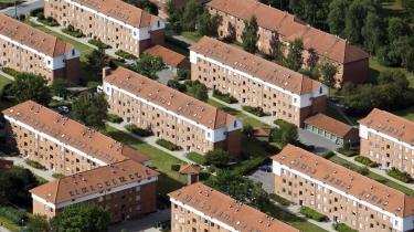 Selv om det ikke lykkes at sælge flere almene boliger end hidtil til private, er målet fortsat  at styrke beboermassen, så sammensætningen blandes bedre.