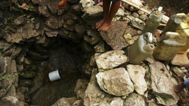 Indsatsen for rent vand og sanitet skal langt op på dagsordenen på Rio+20-konferencen, mener klimakommissær Connie Hedegaard.