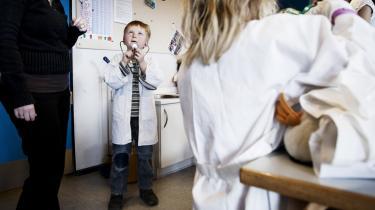 Når behandlingsgarantien er der, bør behandlingen også finde sted. Også hvis det kræver, at det sker i privat regi, mener flere børnepsykolger. model