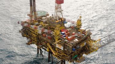 Shell har nu stoppet det værste udslip i 10 år, men samtidig kommer det frem, at selskabet på seks år har fået hele 25 påtaler for dårlig sikkerhed – kun Mærsk klarer sig ringere