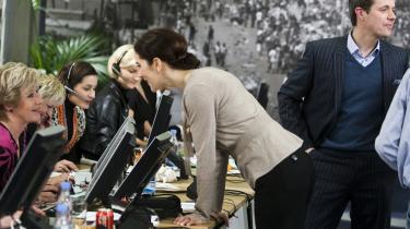 Den første landsdækkende tv-indsamling var Ungarnshjælpen i 1957 efter Sovjets invasion af Ungarn i 1956. FDF-spejderne afleverede deres bidrag i en tuba.   Det seneste velgørenhedsshow var Danmarks Indsamlingen i Tivoli i 2010 til fordel for kvinder i Afrika samt ofrene for jordskælvet i Haiti. Her ses kronprinsparret i callcenteret, hvor kendte danskere sad klar ved telefonerne, bl.a. Birthe Kjær.   DR og TV 2's indsamlingsshow Hjælp Balkan i 1999 kom i stand efter Serbien fordrev hundredtusinder af kosovoalbanere. Her bød en forretningsmand (tv.) 100.000 kr. for værten Ole Stephensens slips, som han her afleverer.