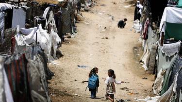To piger i en palæstinensisk flygtningelejr i Gaza. FN har netop lanceret en verdensomspændende kampagne til fordel for de 12 millioner statsløse personer, som findes spredt i en række lande verden over.