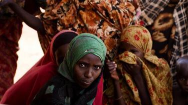 'Det kan være meget fornuftigt at flytte nødhjælpspenge til  en større akut hjælpepulje, så man kan reagere hurtigere  ved katastrofer som den  på Afrikas Horn, hvor hjælpen  er meget  presserende,  mener nødhjælpsekspert Gunnar Olesen.