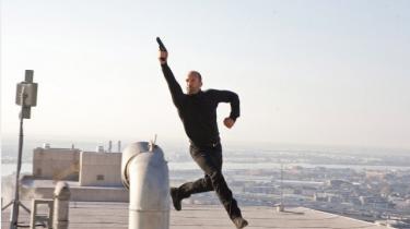 Selv om briten Jason Statham ikke er verdens mest udtryksfulde skuespiller, har han støt og roligt fundet sin egen niche og er blevet en actionstjerne af den gammeldags, hårdtslående skole