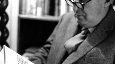 Forfatteren. Vladimir Nabokov skrev 'Lolita' i 1955. Den udkom på dansk for første gang i 1957.  Nabokov døde i 1977.