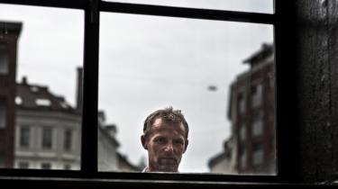 Den norske forfatter Jo Nesbø er blot et af eksemplerne på den skandinaviske krimisucces. Den 22. september får filmatiseringen af hans bog 'Headhunterne' premiere i de danske biografter.