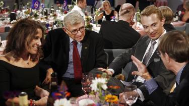 Dansk Folkeparti står sammen og klynker ikke efter at være kommet i opposition. Fra venstre: Dot Wessman, Søren Krarup, Morten Messer-schmidt og Mogens Camre med ryggen til.