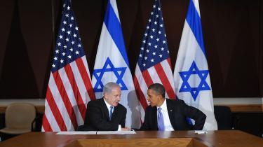 Israels regering er tilfreds med, at Barack Obama er 'kravlet ned fra træet', hvor han klatrede op i 2009
