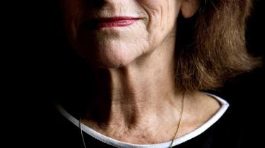Nærhed. Janina Katz har i   høj grad ramt avisens anmelder med digtsamlingen 'Skrevet   på polsk'.