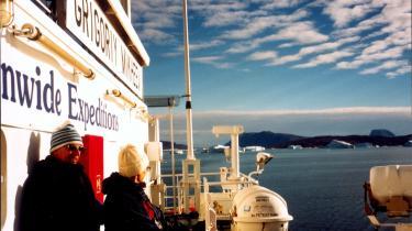 Den danske flåde er i færd med at øge sin tilstedeværelse ved Grønland, hvor intet tyder på, at Danmark er i færd med at gøre op med 400 års arktisk engagement. Tværtimod stemmer et samlet Folketing som regel for enhver udvidelse nordpå