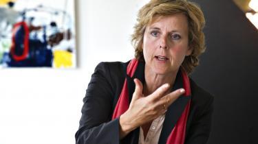 'Lad ikke dem, der klamrer sig til fortiden, få held til at blokere den følsomme klimapolitik,' lyder det fra Connie Hedegaard og Al Gore.
