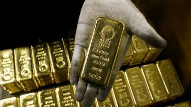 Inflationssikret. Teknisk set er det muligt, at fordoble pengemængden i morgen. Men med guld ved man, at man ikke kan vågne op, og så er der dobbelt så meget af det. Man kan ikke trykke guld.