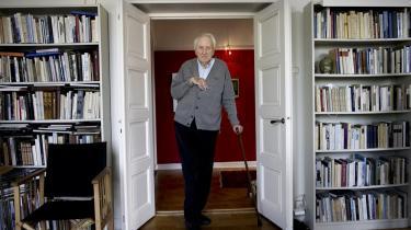 Årets Nobelpris i Litteratur til den svenske digter Tomas Tranströmer  blev en fest og en kæmpe forløsning for Sverige