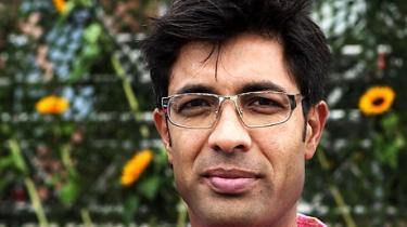 Tidligere folketingsmedlem Kamal Qureshi skal stoppe sin offentlige kritik, hvis han fortsat vil være folketingskandidat for SF Nørrebro. Sådan lyder meldingen fra hans egen bestyrelse