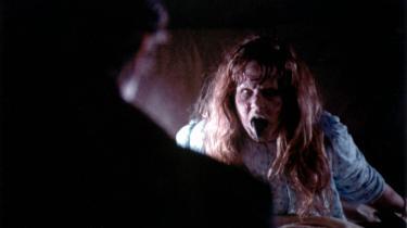 Gyseligt. Regan i William Friedkins 'Eksorcisten' (1973) er det ypperste og bogstaveligt talt klammeste eksempel det dæmoniserede barn i gyserfilmgenren.