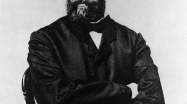 Melvilles oceaniske roman i ny, virkningsfuld oversættelse