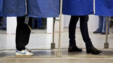 Løfterne før og under valget var større fokus på ligestilling og kvinder på vigtige poster. Det afspejler sig dog ikke i regeringens valg af særlige rådgivere – og også blandt departementscheferne er andelen af kvinder forsvindende lille.