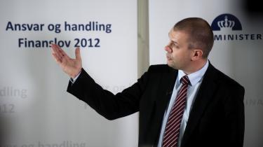 Finansminister Bjarne Corydon fremlagde i går kl. 14 regeringens oplæg til finanslov 2012 i Finansministeriet.