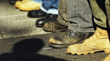 Fodslag. Veteraner fra Irakkrigen i demonstration sammen med Occupy-bevægelsen i Zucotti Park i New York. Sammenholdet er ikke defineret af et fælles lederskab eller fælles program, men af en fælles protest mod det bestående.