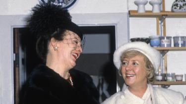 Dronning Margrethe og Islands præsident Vigdís Finnbogadóttir var hver på deres måde omvandrende eksempler på en ny slags kvinde, der ikke sad og tav,var passiv og ærbødig. De var sammen en slagfærdig duo, der lagde pressen ned ved deres fælles pressekonference. Her i 1981.