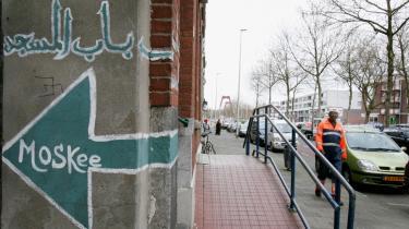Strid. Holland er en af de vigtigste slagmarker for diskussionen om multikulturalisme og afsæt for sociologen Paul Scheffers angreb på fænomenet.