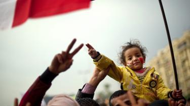 Efter en uge med demon-strationer på Tahrir-pladsen, hvor over 40 er blevet dræbt, forsøgte Militærrådet sidst på ugen at berolige egypterne med en forsikring om, at parlamentsvalget i dag vil   blive gennemført.