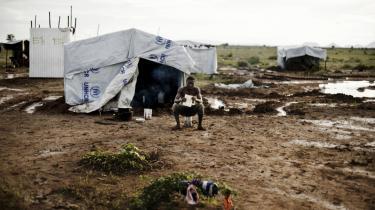 I det øde og golde nordvestlige hjørne af Kenya sidder 84.000 flygtninge i en lejr, der er glemt af verden. 'Jeg føler stor sorg, når jeg tænker på mit liv,' siger en af dem, Mohammed Hassan Mohammed, somalier på flugt fra klimaødelæggelse og borgerkrig