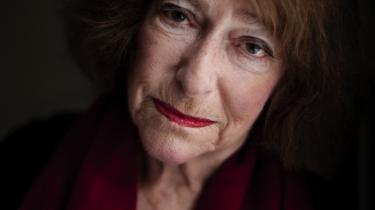 Passion. Den er drivkraften hos Janina Katz, som ellers skriver om skæbnetunge temaer som krigen og kommunismen. Hun bryder sig ikke om venstrefløjen i Danmark og mener, den ikke forstår situationen i Israel