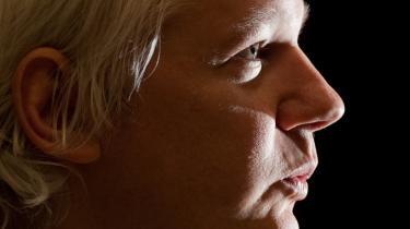 Wikileaks' stifter, Julian Assange, præsenterede i torsdags organisationens seneste dokumentlækage, Spy Files, i London. Ifølge Wikileaks har vestlige firmaer leveret overvågningsteknologi til bl.a. Iran og Syrien.