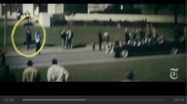 Hvem var den mystiske paraplymand, der stod lige ved stedet, hvor præsident Kennedy blev dræbt? En ny dokumentarisk kortfilm af Errol Morris fortæller mandens historie og er samtidig en lektion i kildekritik og konspirationsteoriers forhold til virkeligheden