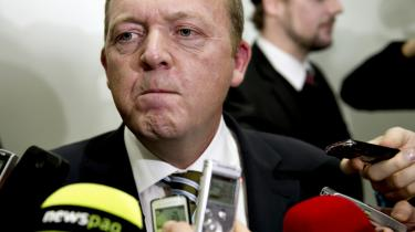 Hjælpeløs. Løkke og hans eks-ministre har som opposition ikke en centraldministration i ryggen til at hjælpe sig med forberedelsen til afhøringerne i undersøgelseskommissionen.