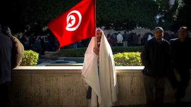 Opstandene mod arabiske diktatorer har ændret den islamiske magtbalance og truer med at svække de shiamuslimske stater
