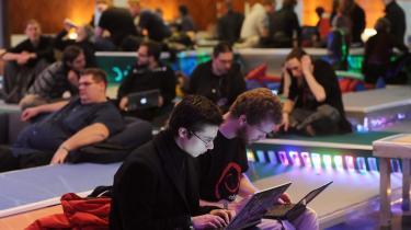 Der var rift om billetterne til sidste uges Chaos Computer Congress i Berlin, hvor der blandt andet lød kritik af, at vestlige teknologiselskaber uhindret kan bevæbne autoritære regimer med sofistikeret teknologi.