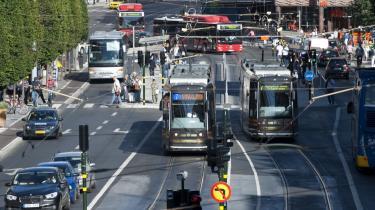 Betalingsringen rundt om Stockholm har sparet   byen for adskillige millioner kroner, fordi trængslen   er blevet mindre.