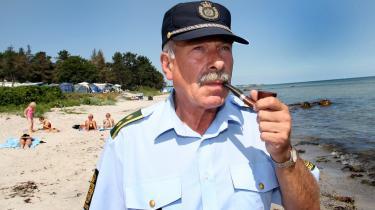 Den klassiske patruljerende politimand må se flere og flere af sine opgaver havne hos private vagtværn.