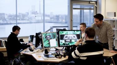 Sammen med tre tidligere kolleger fra IT-Universitetet i København har Sune Alstrup Johansen (t.h.) udviklet softwareprogrammet Senseye, der gør folk i stand til at   betjene deres mobiltelefoner med øjnene.