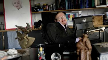 Ikon. Stephen Hawking – manden, der forstår sig på universet, men ser kvinden som det fuldkomne mysterium – er netop fyldt 70 år.