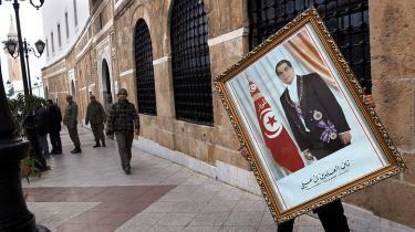 En politisk kamp er ved at være overstået med fjernelsen af enmands-regimerne, men en ny er allerede begyndt mellem islamister og de sekulære liberale, der førte an i revolterne, men er i håbløst mindretal