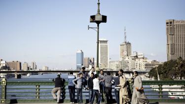 Målet var uklart, da tusinder af unge protesterende sidste år indledte spredte demon-strationer fra en række fattige kvarterer i Kairo. Information har besøgt de unge revolutionære et år efter.
