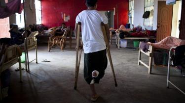 Sårede soldater fra Kachins uafhængighedshær på et militærhospital. Kachin-statens våbenhvile med Myanmars regeringshær brød sammen i juli 2011 efter 17 år. Siden da er mere end 50.000 mennesker er flygtet. Kachin-staten ligger i det nordlige Myanmar og grænser op til Kina