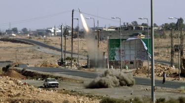 Sådan så byen Bani Walid ud under kampe i oktober sidste år. I går blev den indtaget af Gaddafi-støtter.