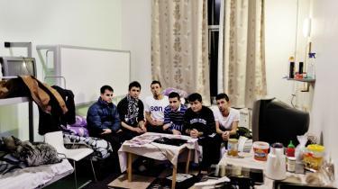 En gruppe iranske kurdere sidder på asylcentret i Avnstrup og planlægger en demonstration i næste uge. Efter praksisændring mener Flygtningenævnet nu, at det er sikkert at sende dem til Nordirak. Selv mener de ikke, de har nogen fremtid i landet, fordi deres rettigheder er begrænsede.