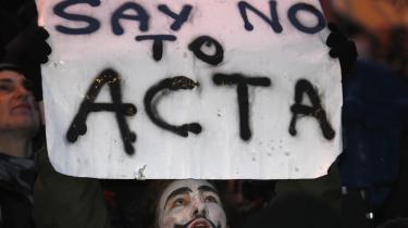 Der har været massive protester mod ACTA, som Danmark og en række andre lande underskrev i torsdags.