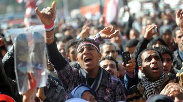 I de arabiske lande går demonstranterne snarere på gaden, fordi de savner penge, end fordi de savner frihed. De kræver økonomisk fremgang, men ifølge eksperter  kommer fremgangen ikke, før de går hjem eller på arbejde og venter på den - i stedet for at kræve den på gaden.