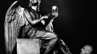 Grumt. Unge kvindelige forfattere bliver kaldt Borum-babes og fremskrives som den afdøde digter Poul Borums engle.